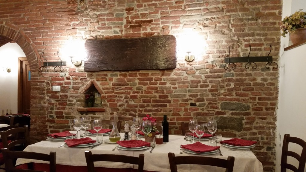 Table at hosteria la vecchia rota