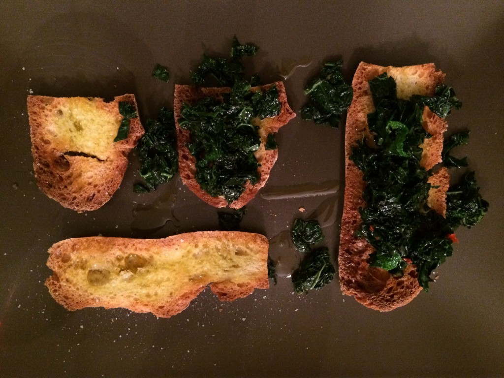Roasted bread with dark-leaved kale