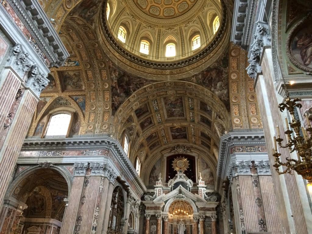 Spacca Napoli Gesu Nuovo church