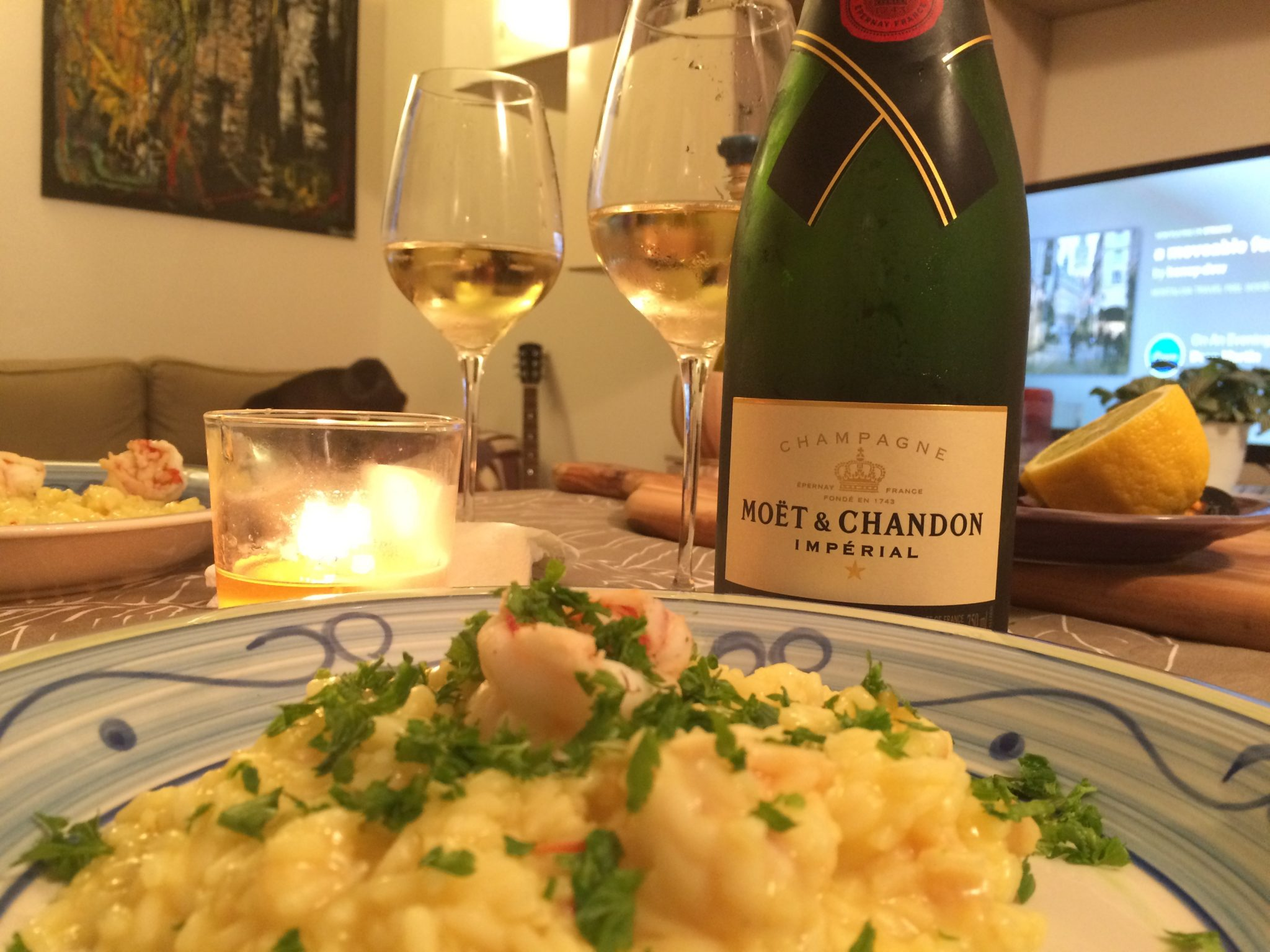 Shrimps risotto and chamapgne