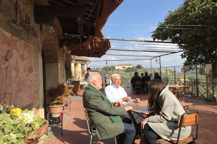 La terrazza del ristorante da delfina di artimino